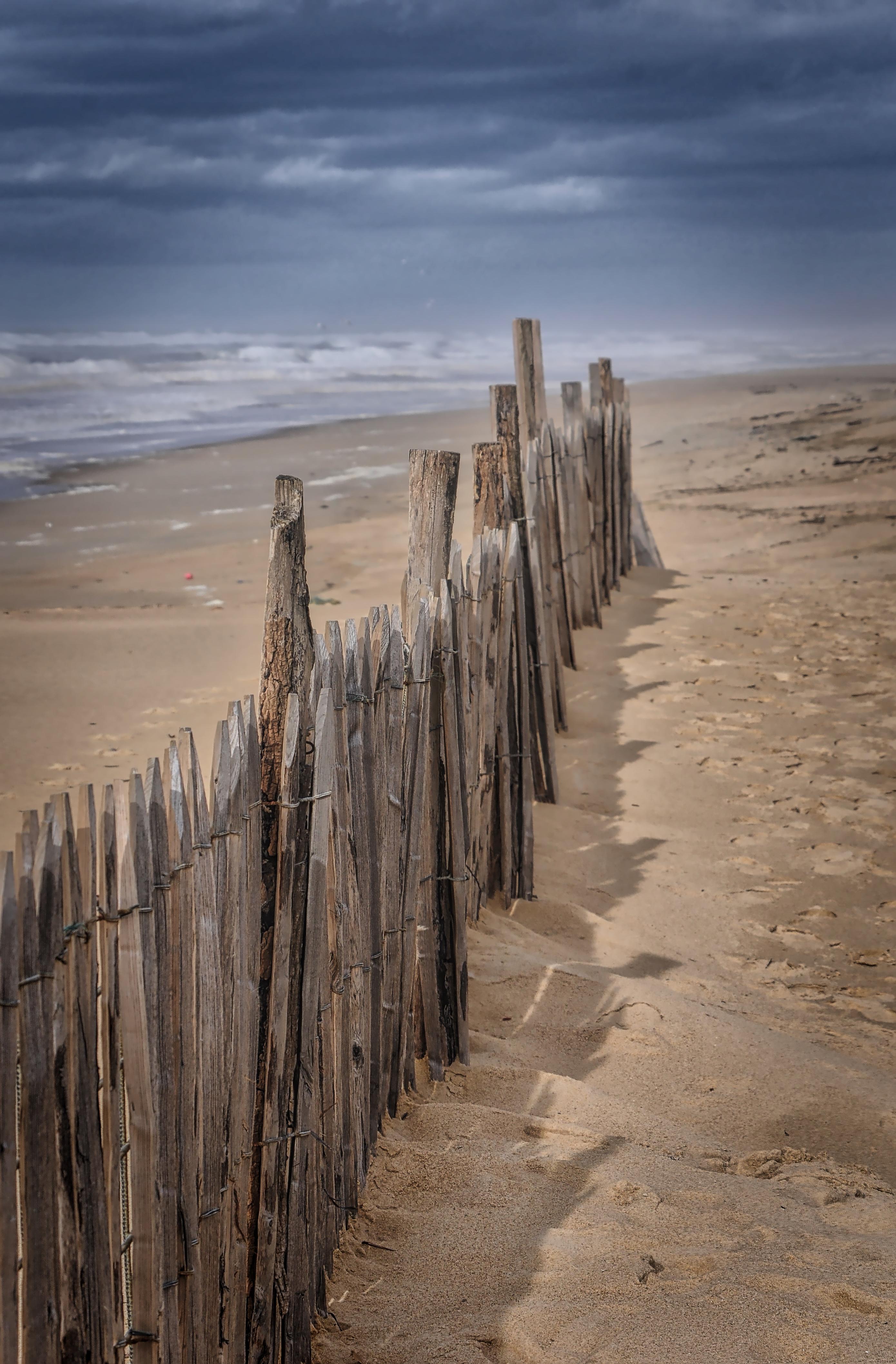 Seul sur la plage 170417015440268113