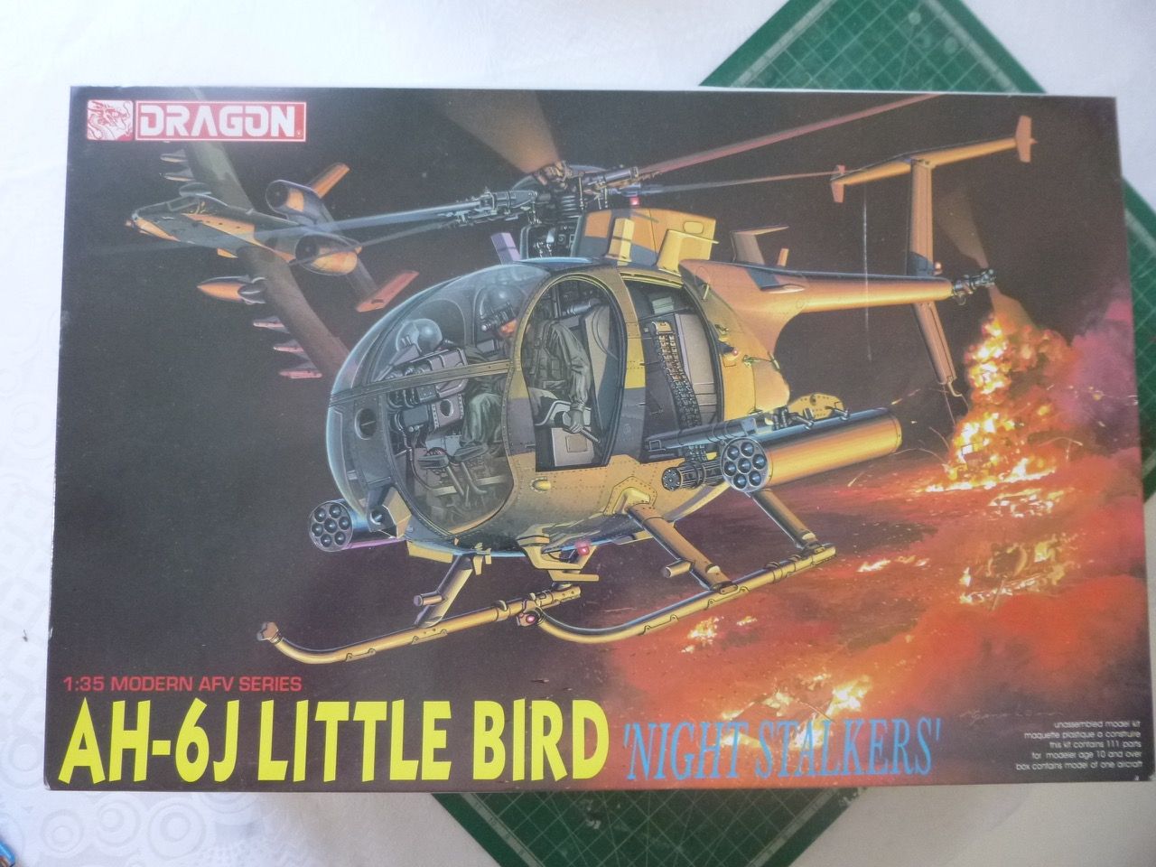 Hélicoptère AH6 little bird + équipage  Dragon 1/35 170601034242973869