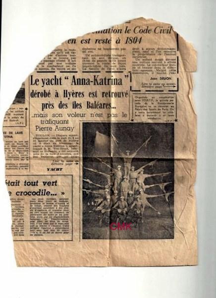 18.coupure de journal,photo acrobatie au Vél d'hiv [800x600]