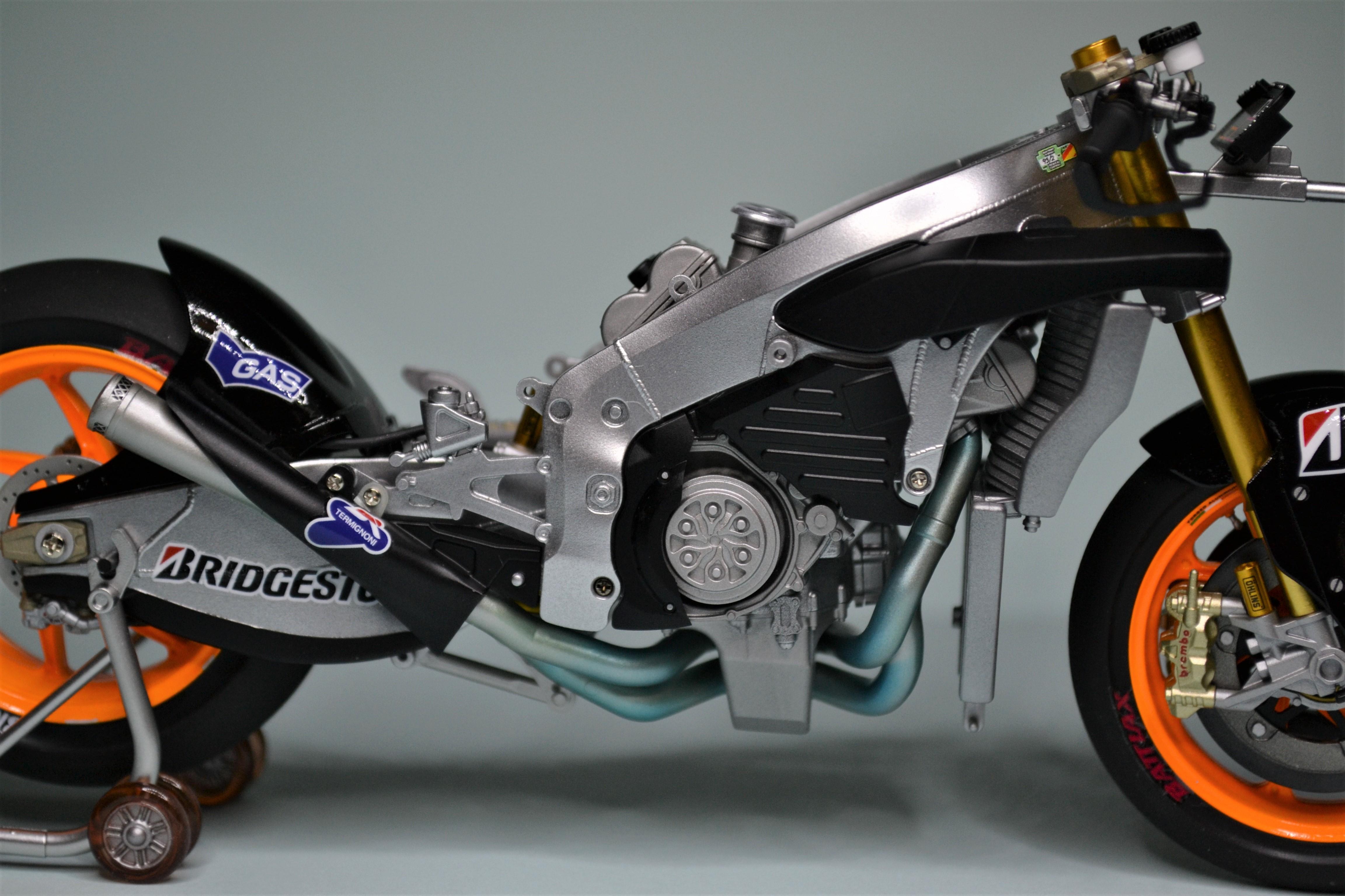 Honda Repsol Marc Marquez 1/12  - Page 2 170724013205644607